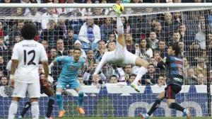 Cristiano Ronaldo haciendo una chilena