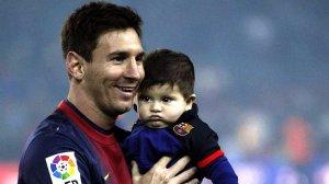 Messi junto a su hijo